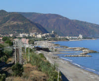 Paese visto dalla torre di Gliaca  - Brolo (4423 clic)