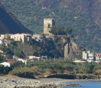 Castello visto dalla Torre di Gliaca  - Brolo (5357 clic)