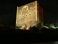 Il castello di notte foto del 13.12.2008   - Paternò (2882 clic)