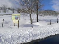 Neve nei pressi dell'agriturismo il noceto, foto del 16.02.2009  - Santa domenica vittoria (5381 clic)