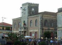 Il municipio. foto del 20.06.2009  - Aci castello (3863 clic)