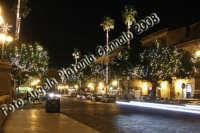 Una via del centro storico illuminata a festa...al contrario di alcune zone di Catania dimenticate dalle Istituzioni  e tenute rigorosamente al buio... Ph Angela Platania  - Siracusa (1489 clic)