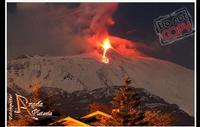 il più grande spettacolo...  Ennesimo Parossismo del nostro vulcano 8-2-2012 le foto sono coperte dal copyright evidente e perpetuo...Ph Angela Platania  - Zafferana etnea (2590 clic)