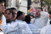 Festa di Sant'Agata 2005 - Un devoto grida Cittadini Evviva Sant'AGATA  - Catania (2244 clic)