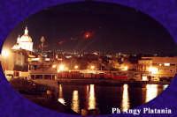 Veduta del porto con sfondo l'etna in eruzione  - Catania (3523 clic)