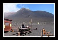 La montagna... un volo sul deserto... di lava... Un volo sul deserto di Lava...Ph Angela Platania  - Etna (2603 clic)