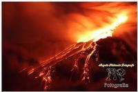Etna Spettacolo della natura tutto è contaminato tranne il nostro vulcano che vive ancora secondo il suo ruolo.. cioè come natura... libera. Ph Angela Platania  - Giarre (1160 clic)