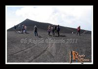 La montagna... un volo sul deserto... di lava... Un volo sul deserto di Lava...Ph Angela Platania  - Etna (2965 clic)