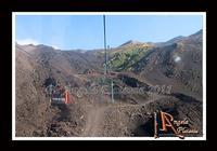 La montagna... un volo sul deserto... di lava... Un volo sul deserto di Lava...Ph Angela Platania  - Etna (3144 clic)