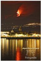 Etna Spettacolo della natura tutto è contaminato tranne il nostro vulcano che vive ancora secondo il suo ruolo.. cioè come natura... libera. Ph Angela Platania  - Riposto (1127 clic)