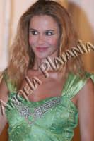 Eva Robin's in 8 donne e un mistero - foto Angela Platania - Sono pregati alcuni editori di giornali e siti web di non fregarsi le foto e non cancellare, dalle foto, la firma...   - Zafferana etnea (2518 clic)