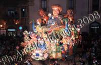 Carnevale di Acireale 2008- Carro Allegorico Grottesco 4 classificato -Tempi moderni- Foto Angela Platania  - Acireale (3369 clic)