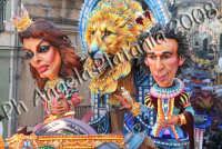 Carnevale di Acireale 2008- Carro Allegorico Grottesco 1 classificato -Divi da un secolo e piu'- Foto Angela Platania  - Acireale (2459 clic)