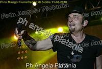 Pino Mango a Fiumefreddo di Sicilia. Ph Angela Platania (Un bellissimo concerto..)  - Fiumefreddo di sicilia (2961 clic)