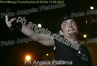 Pino Mango a Fiumefreddo di Sicilia. Ph Angela Platania (Un bellissimo concerto..)  - Fiumefreddo di sicilia (2880 clic)