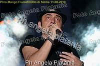 Pino Mango a Fiumefreddo di Sicilia. Ph Angela Platania (Un bellissimo concerto..)  - Fiumefreddo di sicilia (2610 clic)