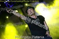 Pino Mango a Fiumefreddo di Sicilia. Ph Angela Platania (Un bellissimo concerto..)  - Fiumefreddo di sicilia (3700 clic)