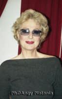 Catania - Loretta Goggi in posa  - Catania (3213 clic)
