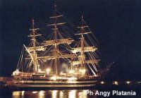 Catania - Porto la nave Amerigo Vespucci di notte  - Catania (8268 clic)