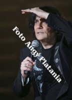 Renato Zero e il suo Zero Movimento Tour ad Acireale 4-4-2006 (le foto di Renato Zero non sono in vendita)  - Acireale (1234 clic)