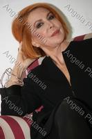 Rossa passionale Marina Ripa di Meana, in conferenza stampa a Viagrande. Ph Angy Platania  - Viagrande (3742 clic)