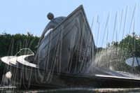 Piazza Giovanni Verga, la fontana dei Malavoglia. Foto Angela Platania  - Catania (2206 clic)