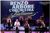 La musica a colori... partenopea Zafferana etnea .. Renzo Arbore... e l'orchestra italiana....  - Zafferana etnea (801 clic)