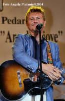 Pedara  - Ara di Giove- Il cantautore Ron  - Pedara (3261 clic)