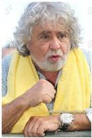 Vip politici Beppe Grillo nel tour tutti a casa tour a Mascalucia ph angela platania  - Mascalucia (1509 clic)