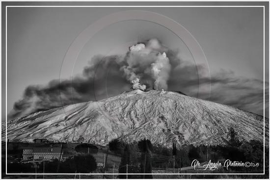 Etna in cenere - BRONTE - inserita il 25-Mar-19