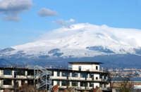 Catania - Veduta dell'Etna innevata dalla tangenziale  Gennaio 2005  - Catania (2577 clic)
