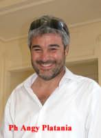 Taormina - L'attore Pino Insegno in posa  - Taormina (4064 clic)