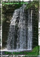 piccola cascata nella strada che costeggia il laghetto artificiale di Fiumedinisi- Ph Angela Platania  - Fiumedinisi (6753 clic)