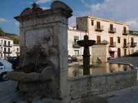 Fontana del 1600  - Palazzo adriano (2034 clic)