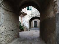 Cortile Maiorana  - Palazzo adriano (3102 clic)
