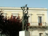 Monumento  Monumento Piazza dei caduti a Rosolini  - Rosolini (6486 clic)
