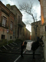 parcheggio regolare  - Monterosso almo (2415 clic)