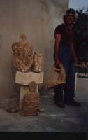 Bartolo Iurato inteso con il soprannome popolare di U Cicirieddu Artista scultore Sciclitano. Le sue opere sono caratterizzate dalla tipica rappresentazione di Mascheroni su sedimenti marini fossili. Info:3398392498  - Scicli (4203 clic)