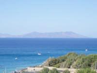 Panorama dell'isola di Lipari vista da Capo Calava'.  - Gioiosa marea (8368 clic)