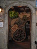l'ingresso di un ristorante  - Erice (2620 clic)