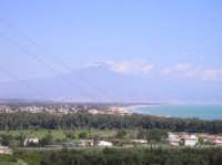 altra panoramica della costa ionica .In fondo si può notare l'etna e la città di catania  - Etna (2621 clic)