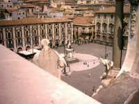 vista da un angolo insolito  - Catania (2419 clic)