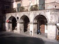 PONTI PULERI costruzione nei pressi della chiesa di S.Giovanni  - Modica (2921 clic)