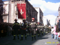 omaggio dei vigili del fuoco di Catania. FESTA DI S.AGATA  - Catania (2757 clic)
