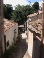 Cortiletto Ericino tra via Rabatà e via Chiaromonte.  - Erice (2577 clic)