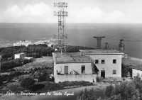 Vecchia Funivia,in arrivo a Erice. Sullo sfondo le Isole Egadi  - Erice (6705 clic)