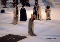 Agamennone di Eschilo Il delirio di Cassandra (Ilaria Genatiempo) Teatro Greco, Orestiadi 2008. Regia: Pietro Carriglio.  - Siracusa (4900 clic)