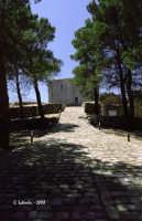 Rupe del castello e chiesa di S. Anna.  - Geraci siculo (3291 clic)