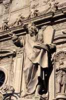La basilica di S. Sebastiano, particolare della ricca decorazione della facciata.  - Acireale (3298 clic)