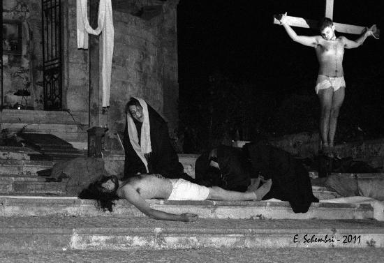 Via Crucis vivente 2011 - FERLA - inserita il 13-Apr-12